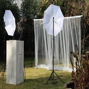 Pros and cons of the photo booth hire